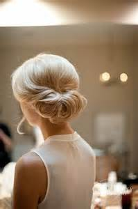chignons mariage daniel chavey 40 chignons de mariée des plus classiques aux plus originaux