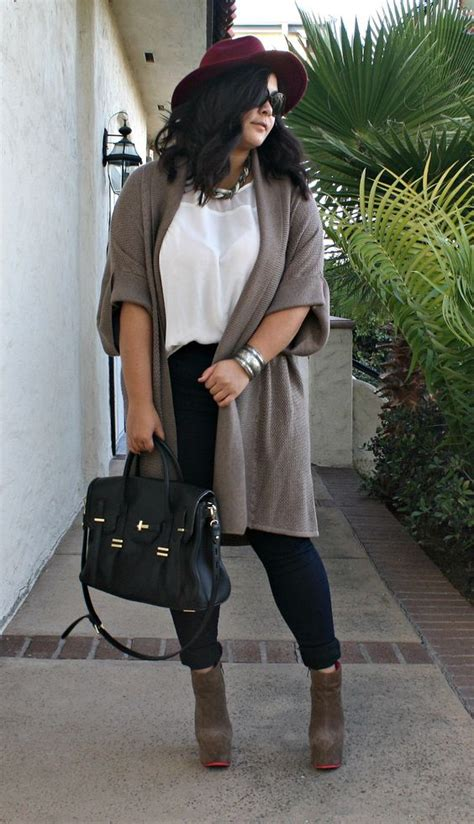 Plus size knit sweater and platform booties. A perfect fall outfit topped off with a burgundy ...
