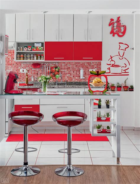 accessoire cuisine retro cores na decoração cozinha vermelha casinha arrumada