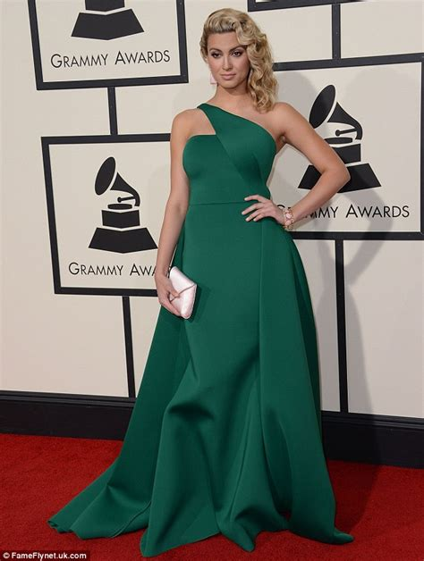 Tori Kelly 'loved' the Grammys despite look during Taylor ...