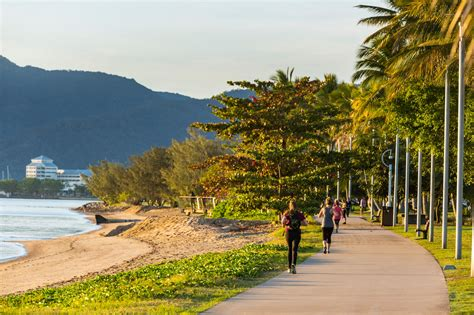 Weather in Cairns - Tourism Australia