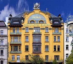 La Mira Köln : mira estos lugares en la vida real al estilo wes anderson ~ Markanthonyermac.com Haus und Dekorationen
