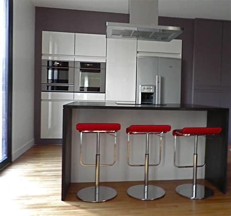 table cuisine contemporaine design le cuisine contemporaine et sa touche colorée