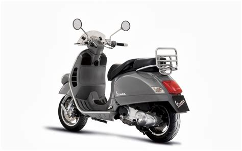 Vespa With Sky Blue Wallpaper by Wallpapers Vespa Gt60 Wallpapers