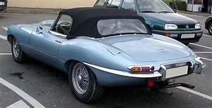 Jaguar Tipe E : file jaguar e type rear wikimedia commons ~ Medecine-chirurgie-esthetiques.com Avis de Voitures