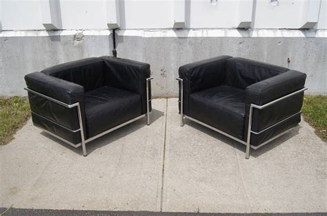 pair of lc3 grand confort lounge chair by le corbusier at