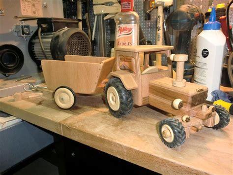 spielzeug selber bauen holz lesergalerie spielzeug traktor und lkw sonstiges lesergalerie holzwerken