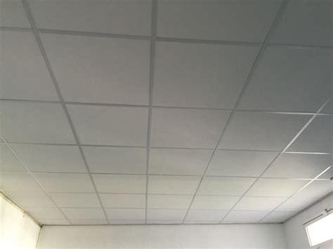 cuisine le faux plafond en dalles le classique lyon rha
