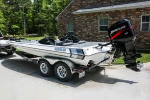Gambler Boats For Sale by 2003 2100 Duel Console Gambler Bass Boat For Sale In