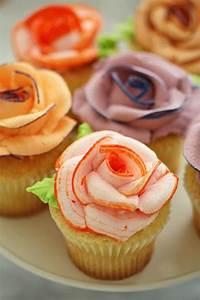Un Tutorial Per Fare Passo Passo I Cupcake A Forma Di Rosa
