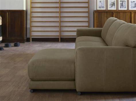 divani doimo in pelle prezzi divano con penisola in pelle weldon doimo salotti
