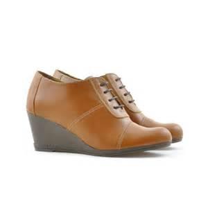 Brown Casual Shoes Women