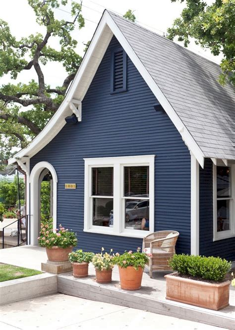 35+ Beautiful Navy Blue And White Ideas For Home Exterior