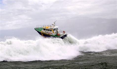 interceptor   righting     sale boats