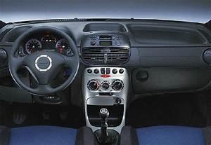 Fiat Punto Fiche Technique : fiche technique fiat punto commerciale 130 16v hgt ann e 2002 ~ Medecine-chirurgie-esthetiques.com Avis de Voitures