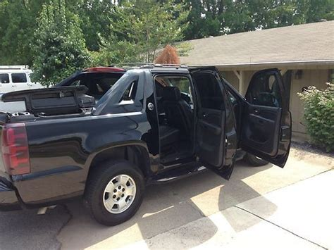 purchase   chevy avalanche leather   camera