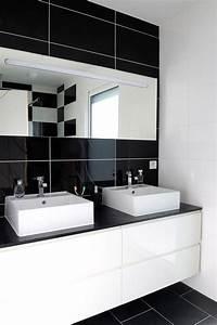 Salle De Bain Noire Et Blanche : agrandir l 39 espace avec des miroirs miroir sur mesure ~ Melissatoandfro.com Idées de Décoration