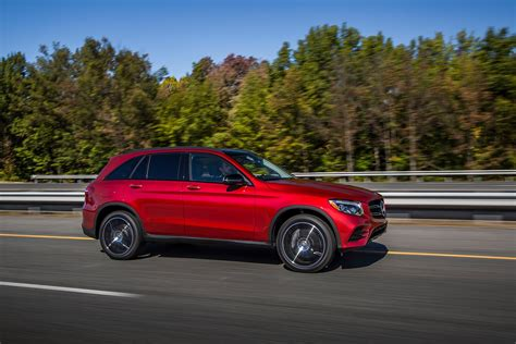 top  safest cars     iihs autoguide