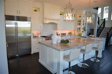 Watermark Kitchen, Wet Bars, Bathrooms & Closet   Moda