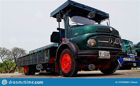 Check spelling or type a new query. Old Mercedes Benz Truck Model 911 Editorial Image - Image ...