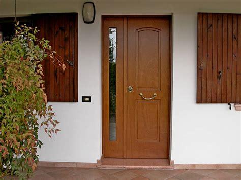 portoncini ingresso in legno prezzi porte e portoncini d ingresso in pvc anche blindati
