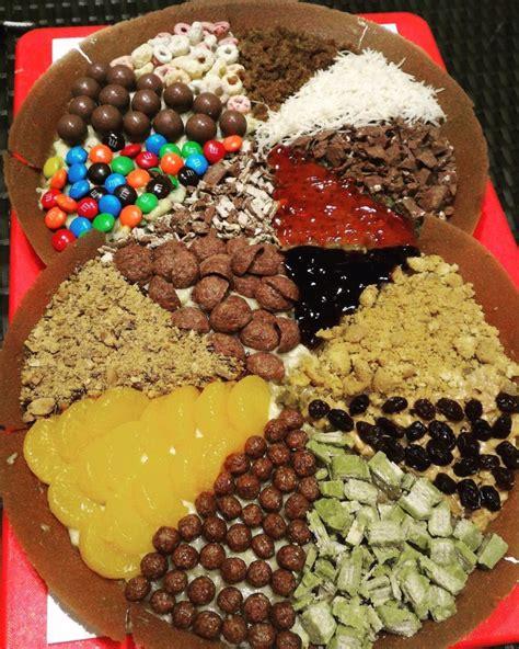 Martabak mini dengan rasa manis aneka topping atau gurih ini dibuat dari bahan yang terjangkau dan mudah sehingga bisa kamu jadikan sebagai bisnis.,resep makanan berikut ini resep martabak mini rasa pandan yang lembut dan bersarang. Rekomendasi 10 Martabak Manis Paling Enak di Jakarta | BukaReview
