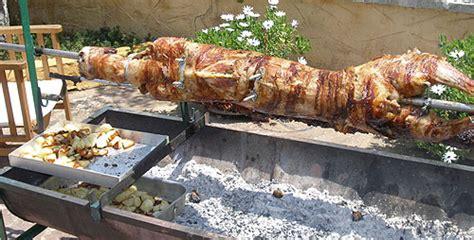 cuisine de cochon l 39 agneau pascal cuit à la broche gastronomie recettes de
