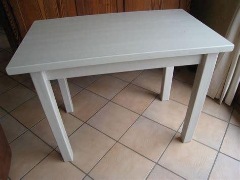 peinture table cuisine peindre une table basse ikea ezooq com