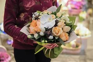 Beau Bouquet De Fleur : beau bouquet des fleurs jaunes et blanches photo stock ~ Dallasstarsshop.com Idées de Décoration