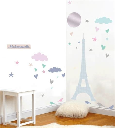 idee decoration chambre fille stickers appliques tapis luminaires suspensions enfant
