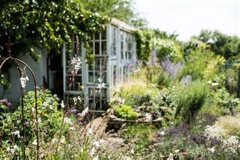 Gartenideen Kleiner Garten Der Stadt by Gartengestaltung Beispiele F 252 R Naturnahe Und