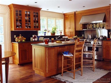 Kitchen Floor Ideas With Cherry Cabinets by Cherry Wood Floors Kitchens With Cherry Cabinets And Wood