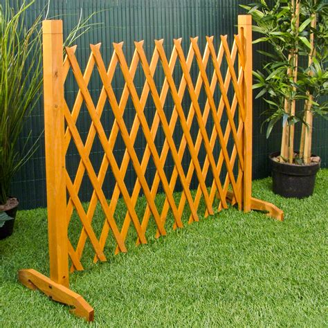Expanding Trellis Fence by Expanding Fence Garden Screen Trellis Style Expands To 6 2