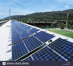 Solar Auf Dem Dach : eine 100 kw installation von stromerzeugende photovoltaik zellen auf dem dach des dreisam ~ Heinz-duthel.com Haus und Dekorationen