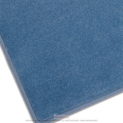 tapis de sol bleu clair montessori spirit