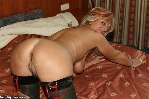 Christina Glam Granny In Stockings Pichunter
