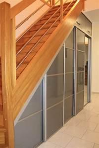 Placard sous escalier blog d39antomag for Porte placard sous escalier