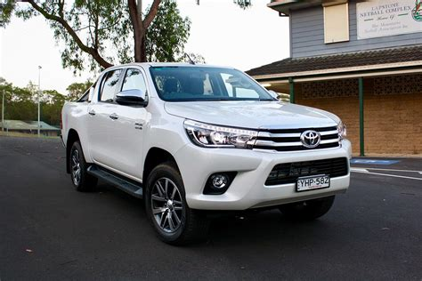 Toyota Sr5 by Toyota Hilux Sr5 2018 Review Snapshot Carsguide