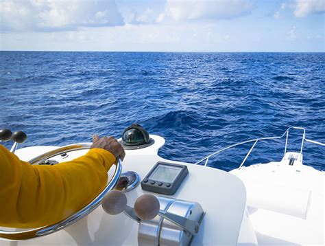 Boat Insurance In Pa by Boat In Water With Comprehensive Boating Insurance