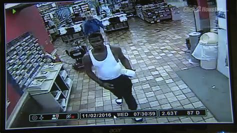 woman accuses man  groping   clear lake grocery store