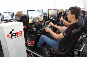 Moritz Mueller-Crepon joined the action at the RaceRoom ...