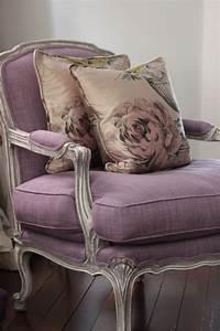 45 idees magnifiques pour l39interieur avec la couleur parme With tapis exterieur avec les plus beaux canapés en cuir