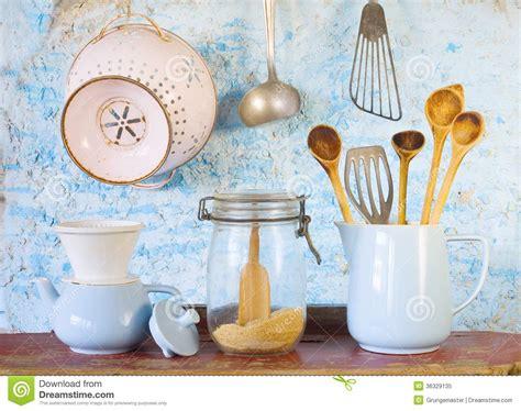 divers ustensiles de cuisine de vintage photo libre de