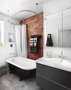 mur briques dans la salle de bain 25 idees inspirantes With decoration mur salle de bain