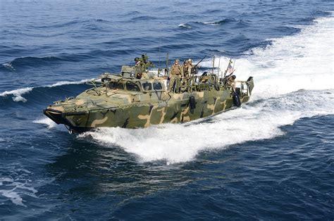 Us Navy Boats by U S Media Condemns Iran S Aggression In Intercepting U