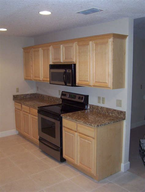 Simple Kitchen Paint Ideas With Maple Cabinets