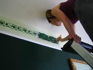 frise au pochoir les tourtereaux intimes With peindre au pochoir sur un mur
