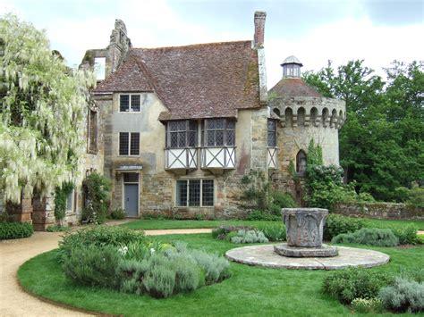 file scotney castle with white wisteria jpg wikimedia
