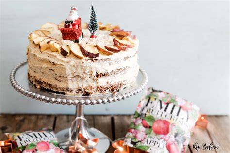 easy christmas cake with crunchy apple frosting ren