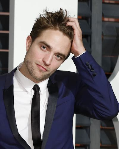 2019 Robert Pattinson Girlfriend
